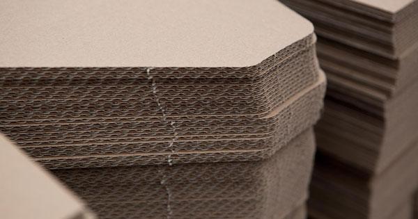 lasero-materiale-cartone